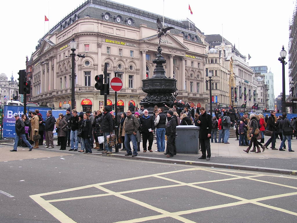 Piccadilly Circus Photos | Pictures | Images